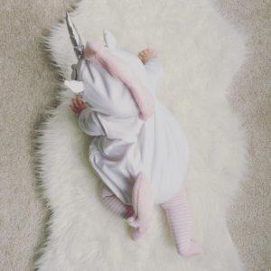 Déguisement bébé licorne barboteuse sans manches